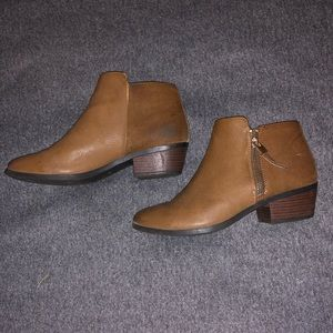 Call it spring boots size 6